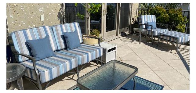 Sunbrella Ascend Spa Looks Great on This Waterfront Patio