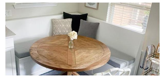 Sunbrella Canvas Granite is the Perfect Neutral for This Breakfast Nook