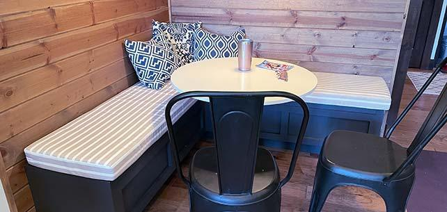 Cushion Set Creates Cozy Breakfast Nook in Sunbrella Shore Linen